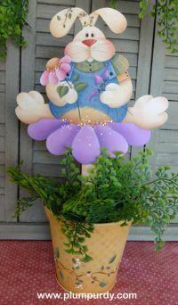 #601 Bunny Flower Pail/Stake (PATTERN PACKET)  www.plumpurdy.com