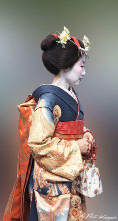 Geisha à Kyoto by Piotr Kroczak on