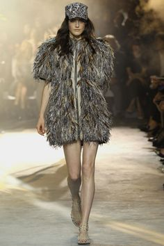 Moncler Gamme Rouge Spring 2014 RTW - Runway Photos - Fashion Week - Runway, Fashion Shows and Collections - Vogue