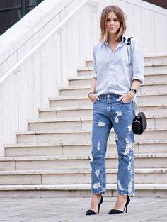 ripped jeans & pumps via Vogue social shopper Denim Fashion, Love Fashion, Womens Fashion, Fashion Trends, Fashion Clothes, Ripped Denim, Distressed Denim, Dark Denim, Denim Shirt