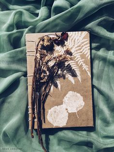 Journal aesthetic // tumblr grunge flatlay photography ideas inspiration, floral artists notebook diary instagram creative