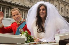 Prince William and Kate Middleton lookalikes 'marry' for book ...