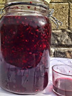Imagine sipping a hot toddy of Bramble Brandy on a cold Winter's night to warm you up.Full of vitamin from blackberries and elderberries and complimenta. Winter Drinks, Summer Drinks, Brandy Recipe, Tasty, Yummy Food, Delicious Recipes, Vegan Recipes, Elderberry Recipes, Easy Homemade Gifts