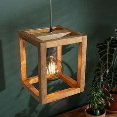Luminaire Original, Retro Table Lamps, Industrial Ceiling Lights, Wood Lights, Retro Lampe, Bois Diy, Wood Pendant Light, Wooden Lamp, Swag Light