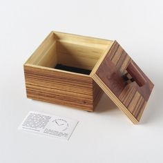 5 Genuine Cool Tips: Wood Working Gifts Etsy wood working organization tips.Teds Woodworking Plans woodworking studio shed plans.Woodworking That Sell Money. Woodworking Lamp, Woodworking Organization, Woodworking Garage, Intarsia Woodworking, Woodworking Workshop, Fine Woodworking, Woodworking Projects, Woodworking Videos, Woodworking Inspiration