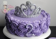 #torta #princesa #sofia #corona #buttercream #cake #sofiathefirst Princess Sofia Cake, Princess Sofia Birthday, Sofia The First Birthday Cake, 3rd Birthday, Simple Birthday Decorations, Princesa Sophia, Purple Birthday, Character Cakes, Idee Diy