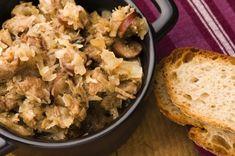 Tradičný poľský bigos - Recept pre každého kuchára, množstvo receptov pre pečenie a varenie. Recepty pre chutný život. Slovenské jedlá a medzinárodná kuchyňa Potato Salad, Food And Drink, Potatoes, Cheese, Meat, Chicken, Ethnic Recipes, Polish Cuisine, Russian Cuisine