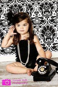 Cute idea for a little girl photo shoot! Adorbs