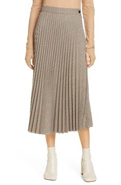 online shopping for Maison Margiela Plaid Pleated Midi Skirt from top store. See new offer for Maison Margiela Plaid Pleated Midi Skirt Animal Print Skirt, Leopard Print Skirt, Linen Skirt, Pleated Midi Skirt, Denim Fashion, Skirt Fashion, Womens Fashion, Types Of Skirts, Slip Skirts