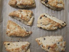 buttermilk scones with currants / diary of a tomato