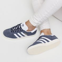 Las Zapatillas GAZELLE triunfarán aún esta nueva temporada ¿os gusta en color azul? #zacaris #newcollection #adidasoriginals #shoponline Ver aquí> https://www.zacaris.com/articulos/1000000444.htm