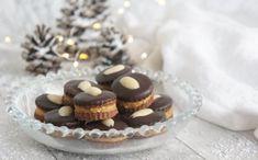 Išlské dortíčky - LC - Jídelní plán Mini Cupcakes, Low Carb, Desserts, Biscuits, Kuchen, Tailgate Desserts, Deserts, Postres, Dessert