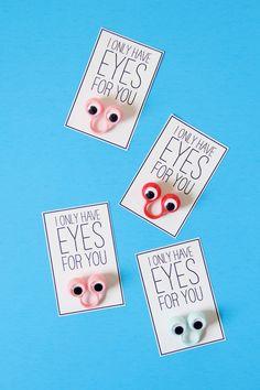 DIY Googly Eyed Valentine's Day Cards