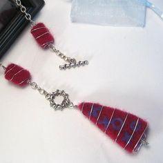 needle felted jewelry | WIRE WRAPPED NEEDLE FELT NECKLACE
