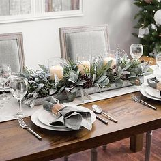 magical christmas centerpieces that you can do in no time 1 ~ my. magical christmas centerpieces th. Dining Room Table Centerpieces, Christmas Table Centerpieces, Christmas Tablescapes, Decoration Table, Centerpiece Decorations, White Christmas Decorations, Graduation Centerpiece, Simple Centerpieces, Magical Christmas