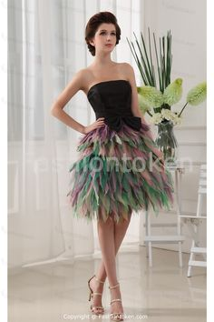 Bow(s) Sweet 16 Knee-Length Black Satin Special Occasion DressWholesale Price: US$149.99