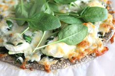 Vatsan vapaapäivä: White pizza chiansiemenpohjalla (gluteeniton)