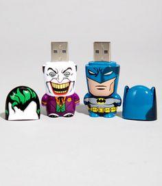 Batman USB Flash Drives!! *faints*   http://www.fredflare.com/APARTMENT/Batman-Mimobot-USB-Flash-Drive/