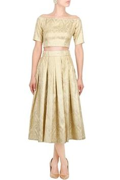 Vintage Twin Set    #carma #carmaonlineshop #style #fashion #designer #indianfashion #indiandesigner #ankitajuneja #gown #couture #shopnow #indianwear #pretty #girly #onlineshopping #instashop #beautiful #outfitpost #ootd #ootn #partywear #eveningwear #whattowear #vintage #twinset #classy