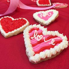 Need a lovely dessert for Valentine's day? How about sugar cookies! Valentine's Day cookie decorating will be a breeze with this video and instructions.
