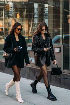 Best Street Style at New York Fashion Week Fall 2020 Street Style Outfits, Looks Street Style, Looks Style, Chic Outfits, Trendy Outfits, Fall Outfits, Fashion Outfits, Fashion Trends, Chic Street Styles