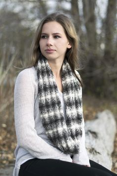 Free Pattern: Claudia's Cowl