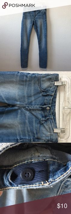 Kids H&M jeans Light color skinny jeans. Has elastic with a button on the inside to make the waist tighter. (In the first picture the jeans were showing up dark and it was hard to show the right color on camera but these are a lighter color) H&M Bottoms Jeans