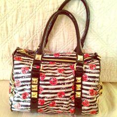 "Selling this ""Betsey Johnson Bag gold zippers"" in my Poshmark closet! My username is: carirangel. #shopmycloset #poshmark #fashion #shopping #style #forsale #Betsey Johnson #Handbags"
