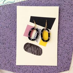 Pink and black oval earrings - a birthday gift for my buddy and maker of extraordinary textiles, ceramics and home wares @covetinteriors aka @marielosborn 🎂❤️🎉