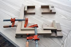 Dorset Custom Furniture - A Woodworkers Photo Journal: a pretty good miter gluing jig