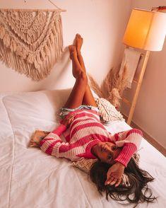 Mundo Lolita (@mundololita) • Fotos e vídeos do Instagram Foto E Video, Blanket, Instagram, Bed, How To Take Photos, Tips, The World, Blankets, Stream Bed