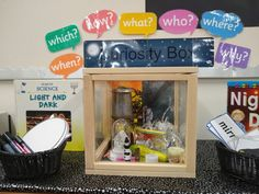 Light and day curiosity cube Light and day curiosity cube Classroom Setting, Classroom Displays, Curiosity Approach Eyfs, Curiosity Box, Reggio Emilia Classroom, Create An Animal, Tuff Tray, Baby Learning, Little Learners