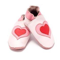 Zoekt u leren babyslofjes? Bekijk deze lieve lichtroze slofjes uit de collectie…