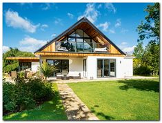 A bungalow in Worcestershire has been transformed into a chalet-style home Bungalow Conversion, Dormer Loft Conversion, Loft Conversions, Loft Conversion With Balcony, Bungalow Extensions, House Extensions, Chalet Modern, Dormer Bungalow, Bedroom Balcony