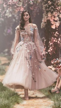 """Paolo Sebastian Spring 2018 Couture Collection — """"Once Upon A Dream"""" Sweeping ball gowns fit for princesses. Ethereal silhouettes hand-embroided with woodland scenes. Pretty dresses that will get you bursting into song. Paolo Sebastian Wedding Dress, Pretty Dresses, Beautiful Dresses, Awesome Dresses, Beautiful Beautiful, Unique Dresses, Beautiful Flowers, Disney Wedding Dresses, Wedding Disney"""