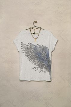 Remera Juge Plumas Punk Fashion, Trendy Fashion, T Craft, Tie Dye Techniques, Casual Outfits, Cute Outfits, Silhouette Curio, Trendy Girl, Cool Ties