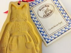 BROWN BAG COOKIE ART Mold 1988 CAT CHEF In APRON Chocolate Paper Cutter RETIRED