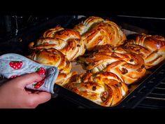 Startból 2 adagot készítek! Levegős, puha és ízletes mazsolás kifli!| Ízletes TV - YouTube Beignets, Dessert Recipes, Desserts, Flan, Turkey, Bread, Chicken, Baking, Sweet