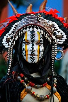 Let these 17 examples of cultural face paint remind you how elaborate and beautiful body art is. Cultures Du Monde, World Cultures, Cara Tribal, People Around The World, Around The Worlds, Interesting Faces, Face Art, Belle Photo, First World