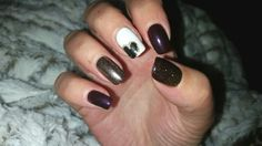 CND Plum paisley and cream puff. With gold sparkle. Hollywood Hair, Cnd, Gold Sparkle, Hair Designs, Plum, Paisley, Cream, Nails, Beauty