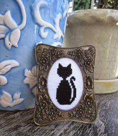 Mini Cat Cross-Stitch #embroiderypattern | KBB Crafts & Stitches