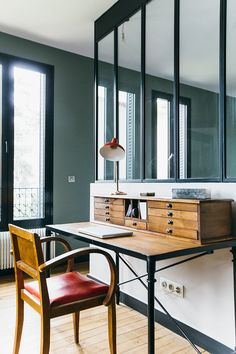 Nuances de bleu & style industriel - FrenchyFancy / Un bureau chez soi avec une verrière / Office at home with industrial windows