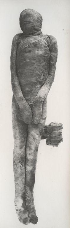 Harry Burton: Unwrapping of a Mummy (M16C106,107)   Heilbrunn Timeline of Art History   The Metropolitan Museum of Art