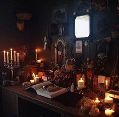 Unique Home Witch Decorating Ideas For Amazing Home Decor Inspiration - witchy - Decor Witch Cottage, Witch House, Witch Room, Goth Home, Witch Decor, Drag, Gothic House, Gothic Room, Gothic Home Decor