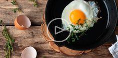 ВИДЕО: 5 яичных рецептов от Джейми Оливера - http://lifehacker.ru/2015/03/31/video-5-eggs-recipe/