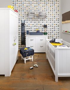 Studio Ditte behang voor de kinderkamer. Studio Ditte wallpaper for the nursery. #vintage. Storm-nursery via Kids Factory