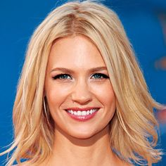 View yourself with January Jones hairstyles and hair colors. View styling steps and see which January Jones hairstyles suit you best. Short Bob Haircuts, Long Bob Hairstyles, Celebrity Hairstyles, Pretty Hairstyles, Straight Haircuts, Medium Haircuts, Short Haircut, Hairstyle Images, Lob Haircut