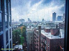 Día de lluvia en Manhattan Nueva York #newyork #nuevayork #usa #rain #eeuu #eeuu #manhattan #travelporn #instatraveling #ny #travelphotographer #travelphotos #travelpic #mytravelgram #traveltheworld #travelpics #travelphoto #travel_captures  #igtravel #travelphotography #iphone6 #instatravel #travell #travelingram #traveler #travelers #travels #traveling #traveller #travel