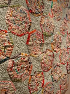 selvage quilt, I like the quilting design