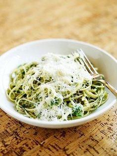 Mis recetas para variar - espagueti poblano Mexican Food Recipes, New Recipes, Vegan Recipes, Cooking Recipes, Ethnic Recipes, Espagetti Verde, Spaghetti Recipes, 20 Min, Kitchen Recipes